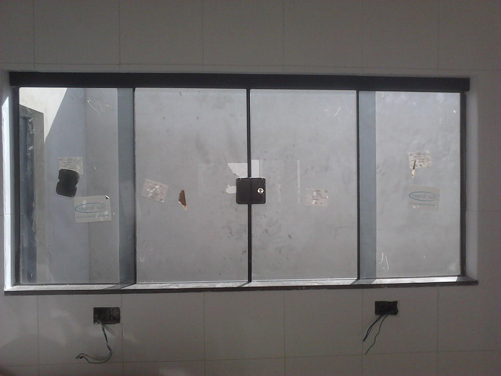 #59524E FRANCO VIDROS TEMPERADOS: Obra em Ourinhos 132 Janelas De Vidro Fume