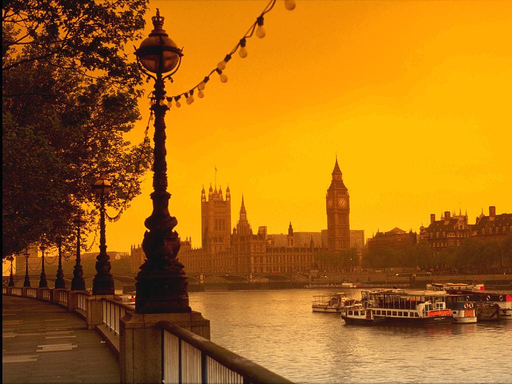 http://3.bp.blogspot.com/-zDnHaLrmW_Y/TceSznOFORI/AAAAAAAAAiQ/4k0rF9p9ZaA/s1600/River+Thames%252C+London.jpg