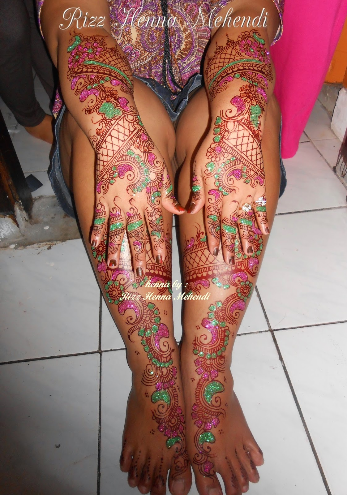 Rizz Henna Mehendi Jakarta Henna With Glitter
