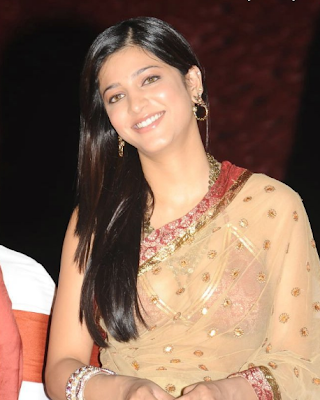 Shruti-Hassan-In-Saree