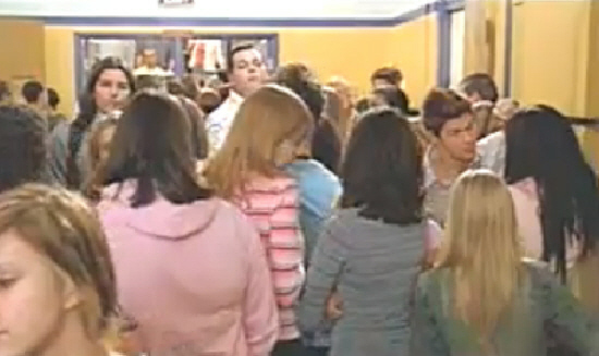 "mean girls film analysis The rain in college station prompted me to stay in last thursday, forget about school for a few hours and watch one of my favorite movies, ""mean girls."