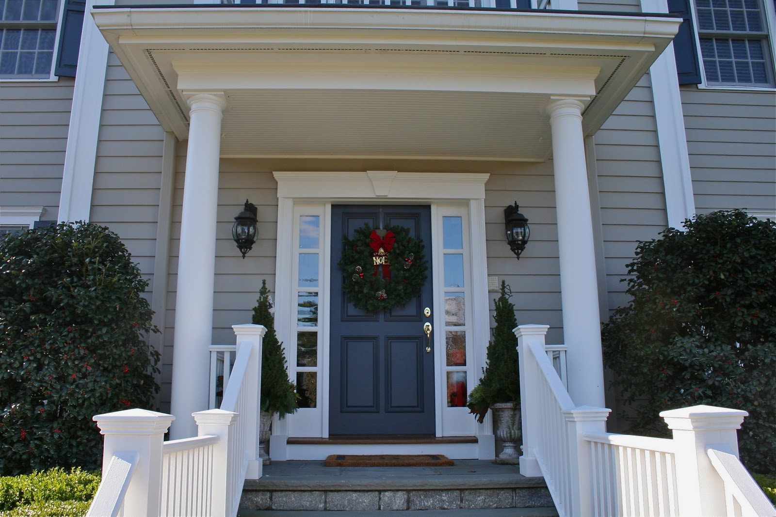 Front Door Colors With Tan Siding - Color forte benjamin moore paint hale navy alexandria beige