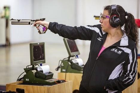 Boneva (Bulgária) conquista na Pistola de Ar seu 1º ouro em uma Copa do Mundo - Tiro Esportivo - Foto: Reprodução/ ISSF