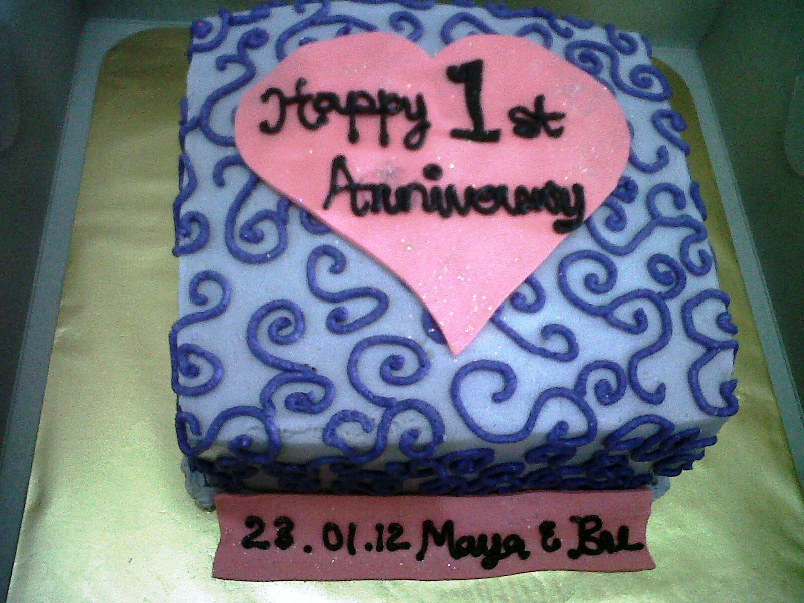 First anniversary cake ~ Fadeliciouscakes: anniversary cake