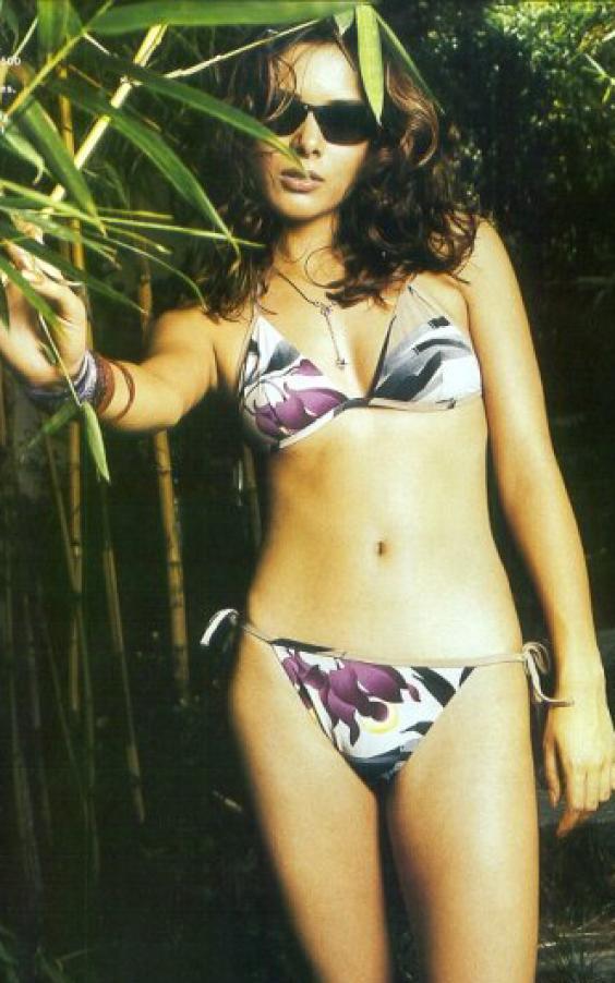 udita goswami in bikini udita goswami show her hot body