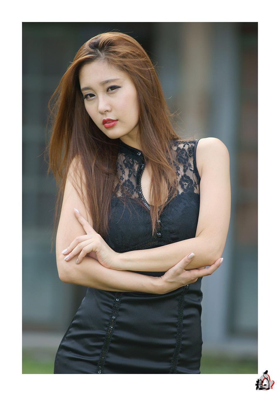 Cute Asian Girls: Hwang In Ji with Black Lace Looks Beautiful