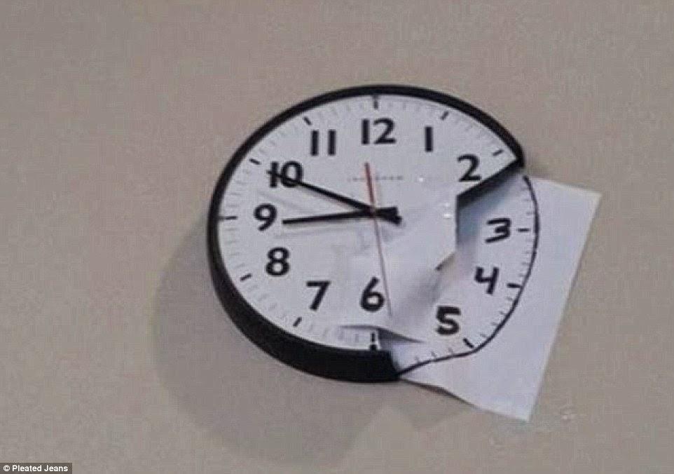 رسم باقي أوراق الساعة على ورقة