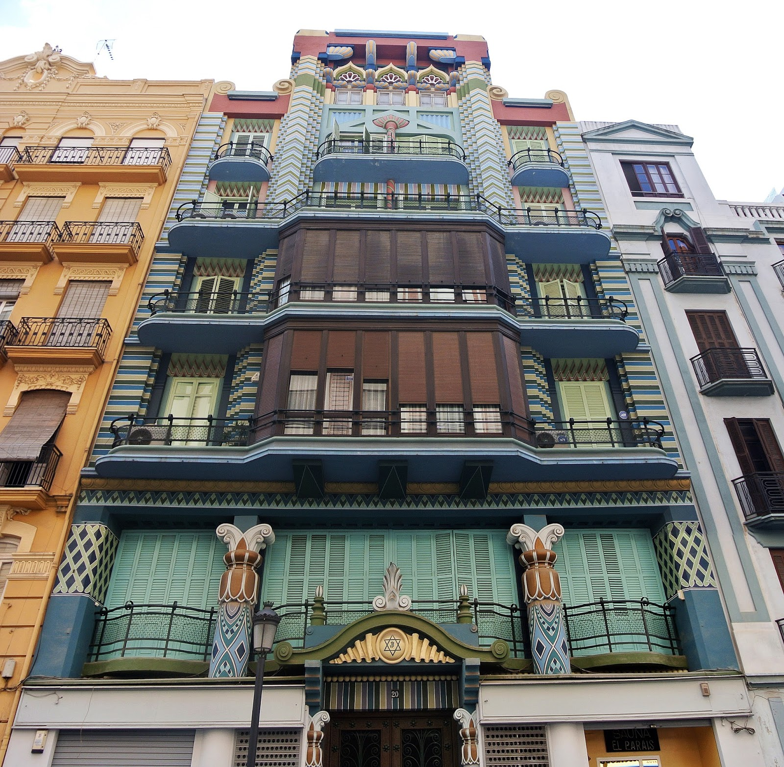 Not hemingway 39 s spain cityscape an architectural tour of - Art deco espana ...