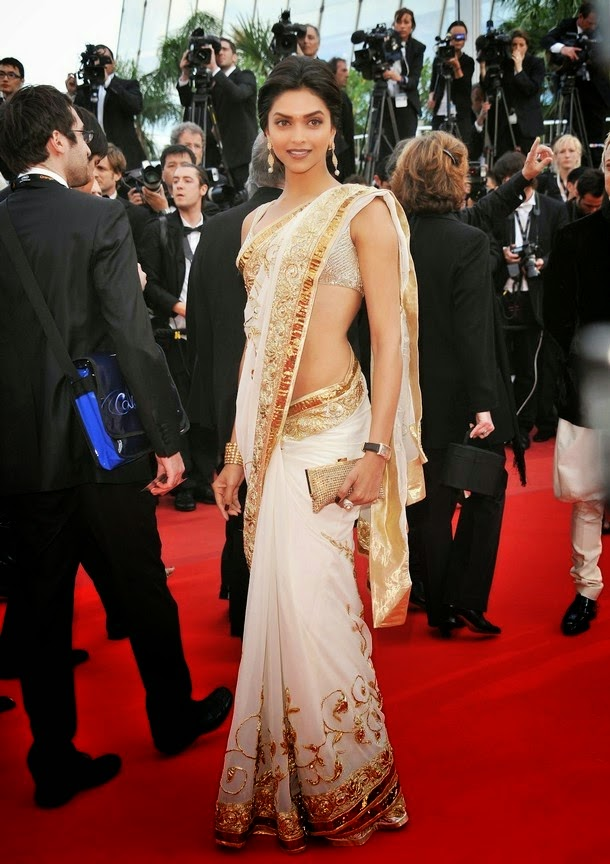 Deepika Padukone Posing in a Designer Off-white Saree