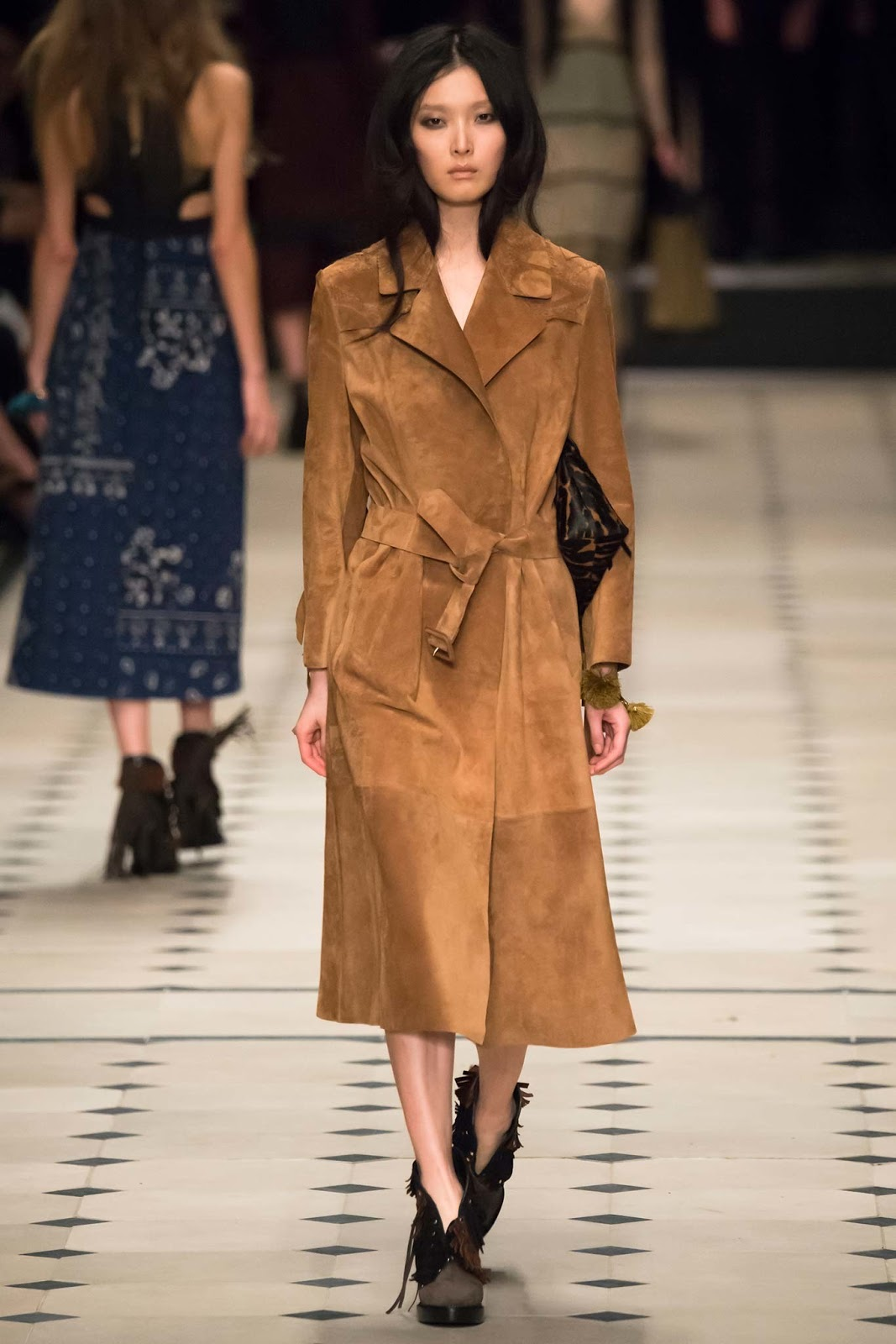 Trench coats as seen on a runway at Burberry Prorsum Autumn/Winter 2015 via www.fashionedbylove.co.uk