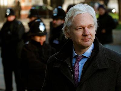 К теме WikiLeaks и особо опасного преступника Ассанжа. Из архивов Polit.Ua