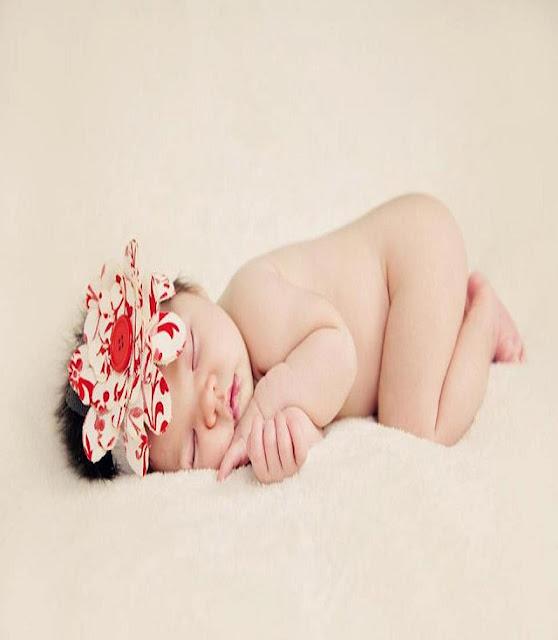 Bébé nu