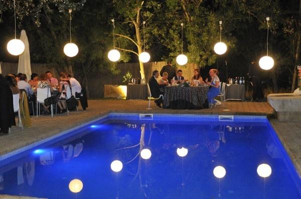 iluminación piscina bodas