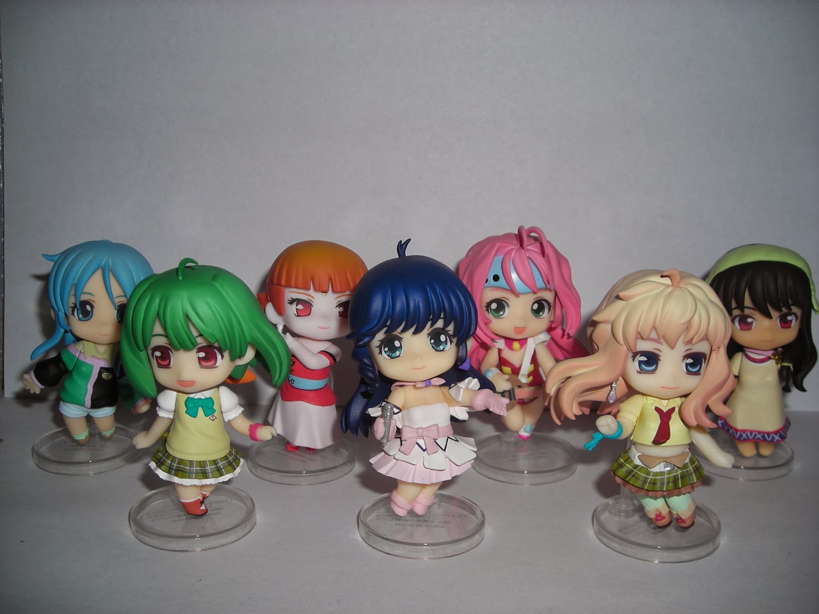 "All 7 Macross ""Heroines"" together"