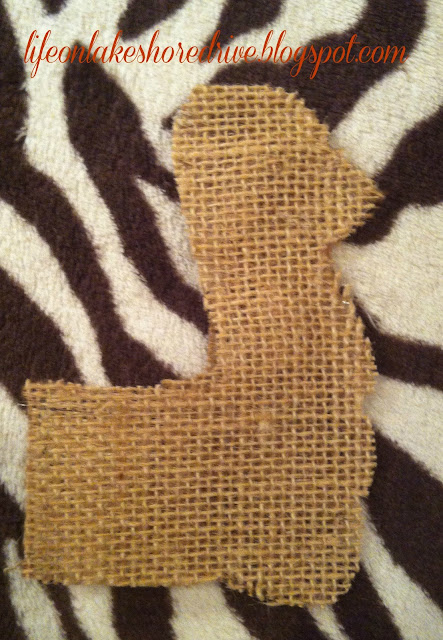 "alt=""burlap and fabric turkey head pattern using fabric stiffener tutorial how-to"""
