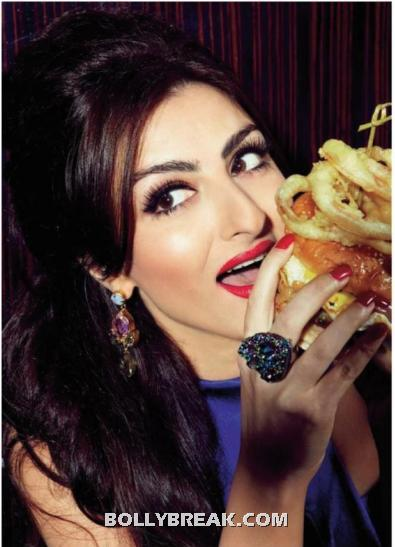 Soha Ali Khan eating Big Burger - Indian Actress Soha Ali Khan eating Burger