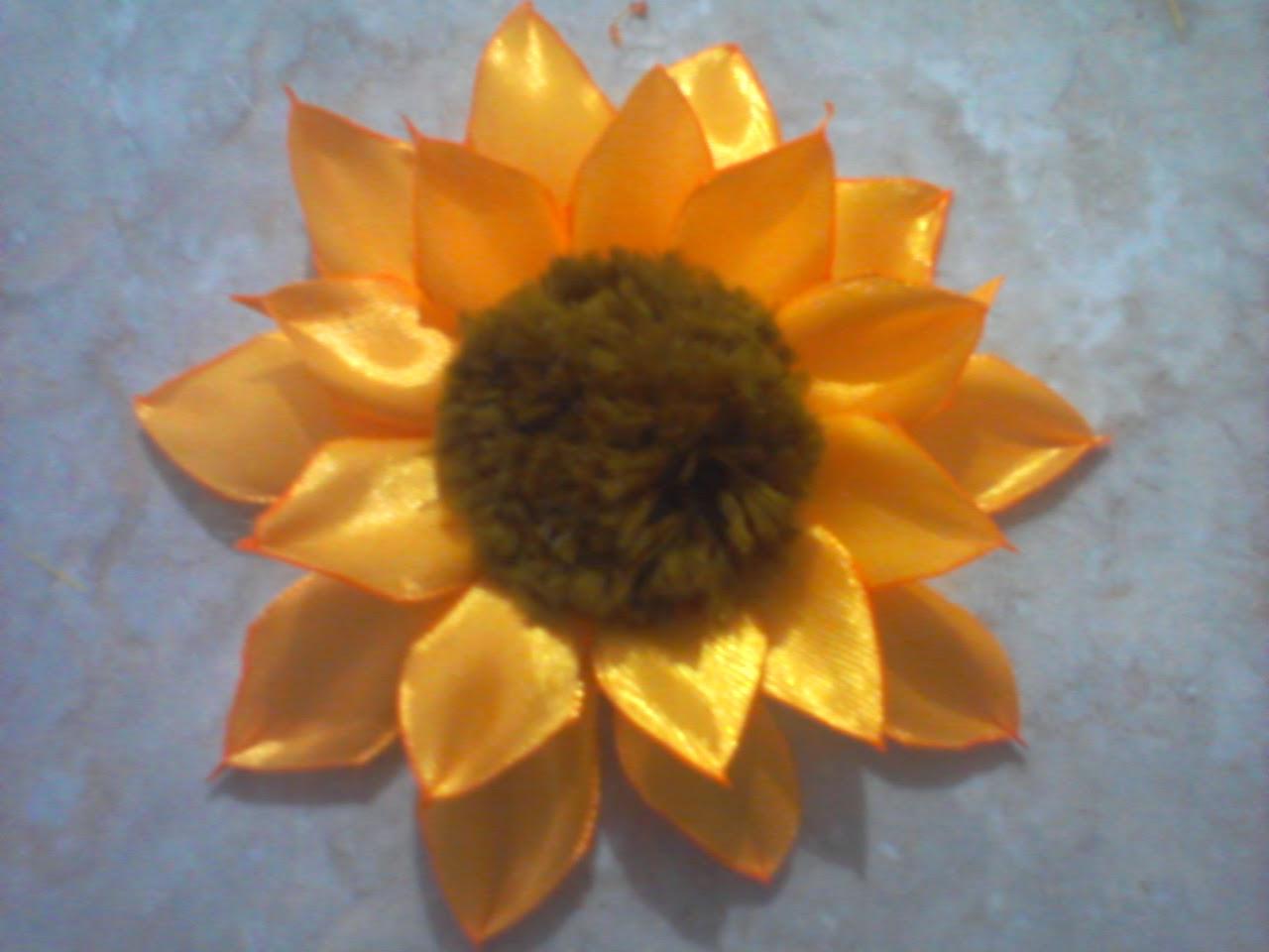 Lavender Art: Tutorial Bunga Matahari dari Pita Satin - photo#7