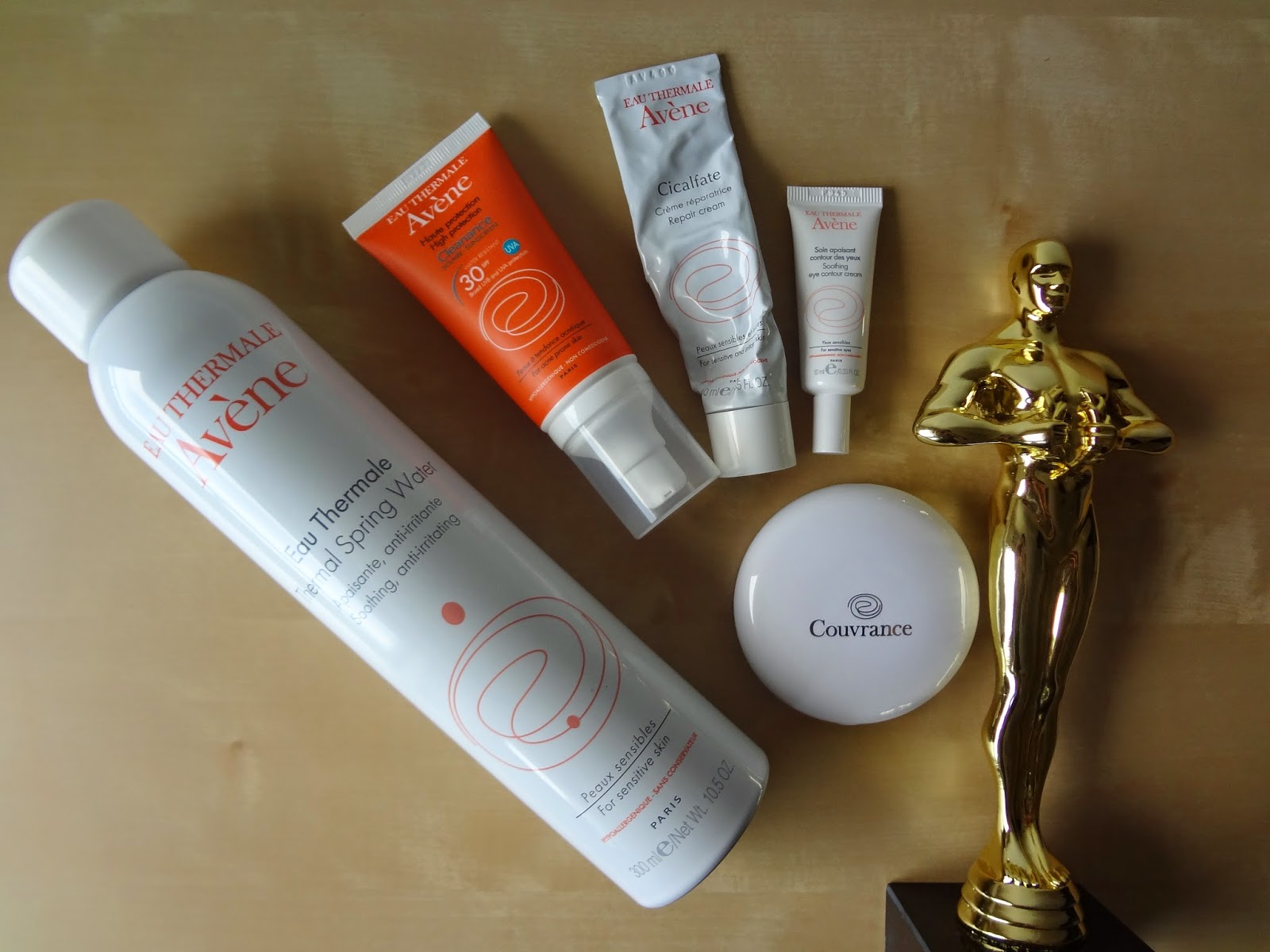 beauty-revue-review-beaute-oscars-favoris-avene-heroes-eau-thermale-cleanance-solaire-couvrance-compact-oil-free-cicalfate-creme-soin-contour-yeux-hydratant-apaisant-skincare