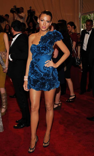 Blake Lively in Marchesa  GOOD