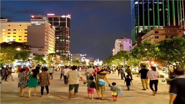 Khu Phố đi bộ Nguyễn Huệ