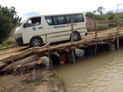 Self Help: Adamawa Youths Replace Bridge Broken by Boko Haram with a Makeshift Wooden Bridge