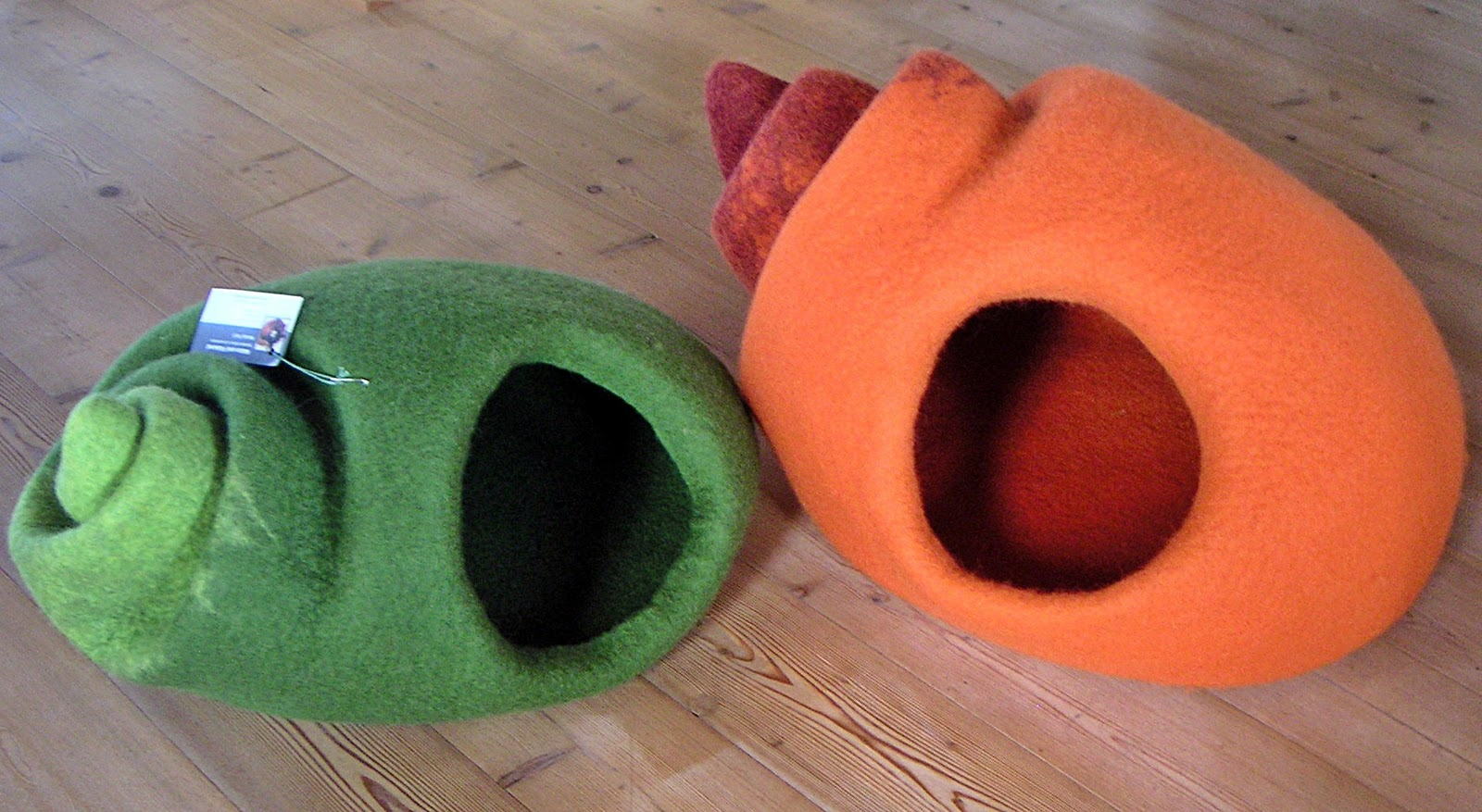 katze und filzkunst katzenh hlen schneckenhaus in xl und m. Black Bedroom Furniture Sets. Home Design Ideas