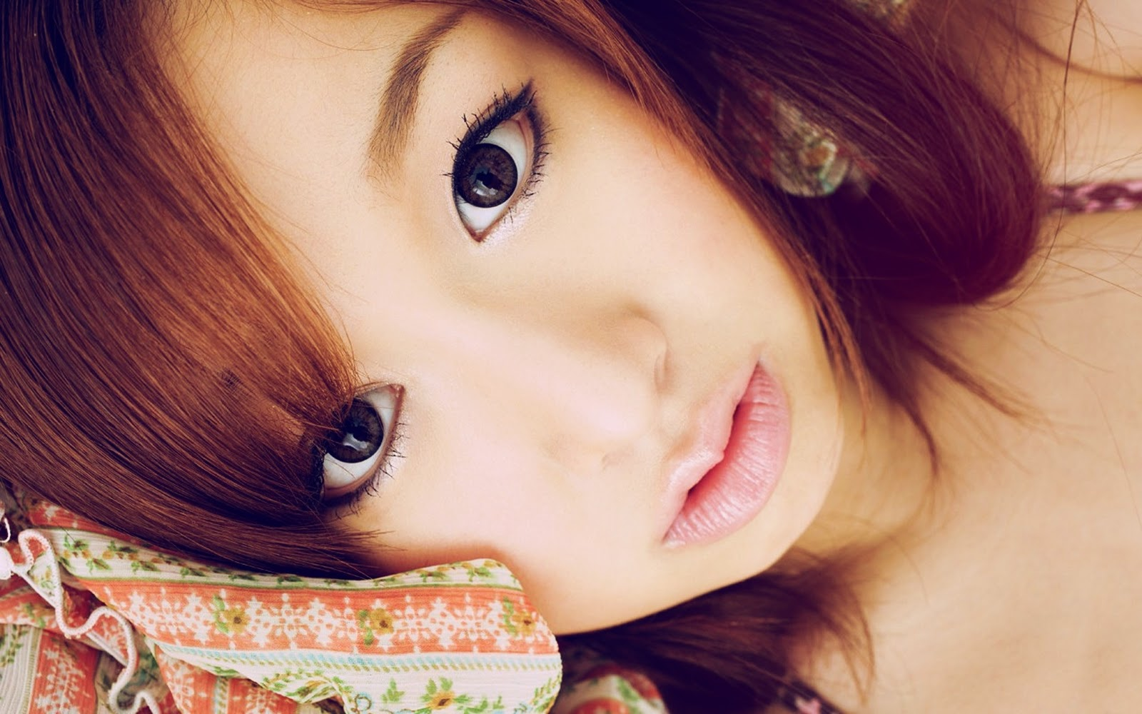Cute Chines and Japanese Girls Wallpapers 2012-2013