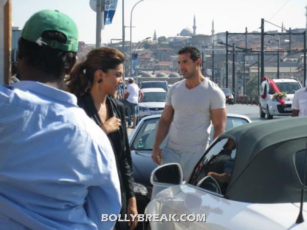 John and deepika on set -  Saif Ali Khan,John Abraham & Deepika Padukone Race 2- fan pics