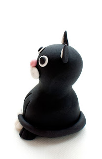 Črna muca iz tičino mase - Black cat from fondant