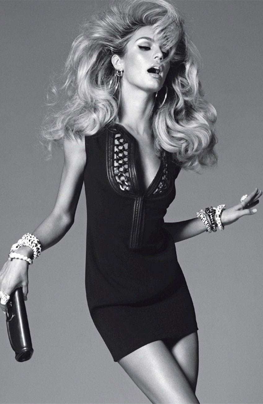 Candice Swanepoel in Vogue Italia February 2011 (photogaphy: Steven Meisel)
