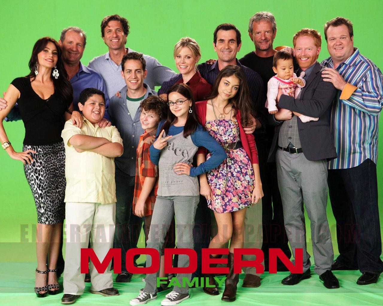 HD Wallpapers | Desktop Wallpapers 1080p: Modern Family ...