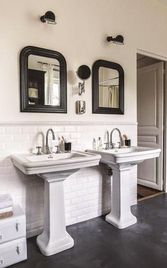 Decordemon renovated house near rambouille paris - Salle de bain noire et blanche ...