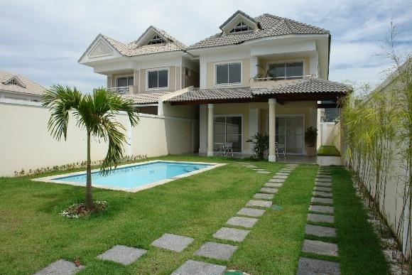 Casa e jardim decore sua casa verde casas com modelo for Modelos de piscinas para casas