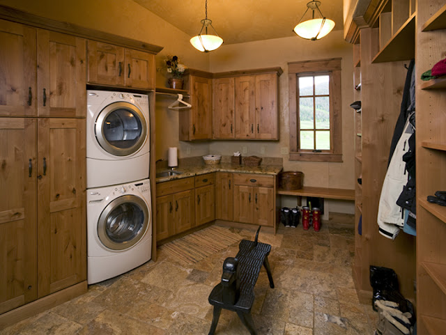 wooden-laundry-room-cabinets