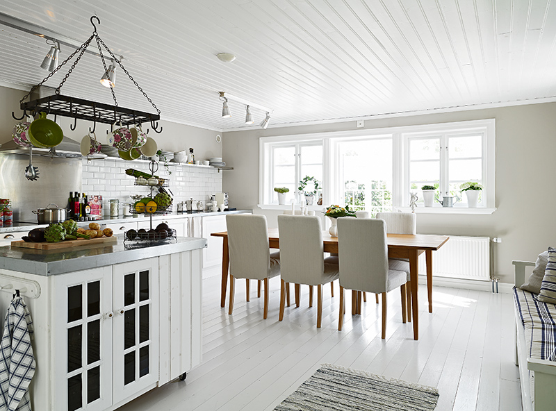 Darling swedish cottage by the sea see this house for White floor with white kitchen