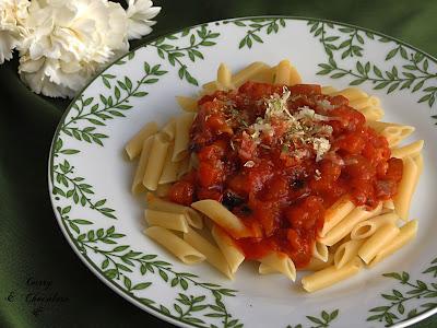 Macarrones con berenjena y tomate