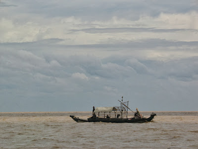 bateau-pechaeurs-tonle-sap