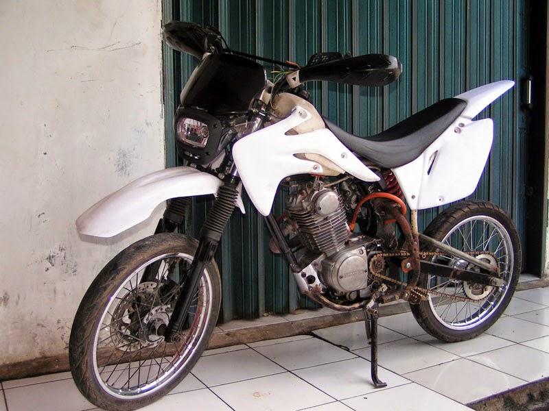 Honda GL 100 Modif Supermoto
