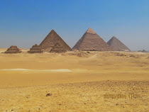 The Great Pyramids of Giza: left to right, grandson King Mnkawiza, son King Khufu, and King Khufu