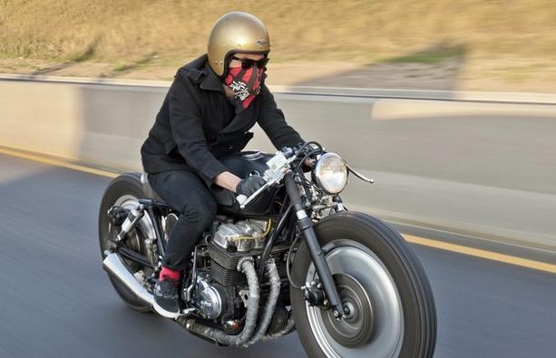 HELL ON WHEELS: Honda CB750 \