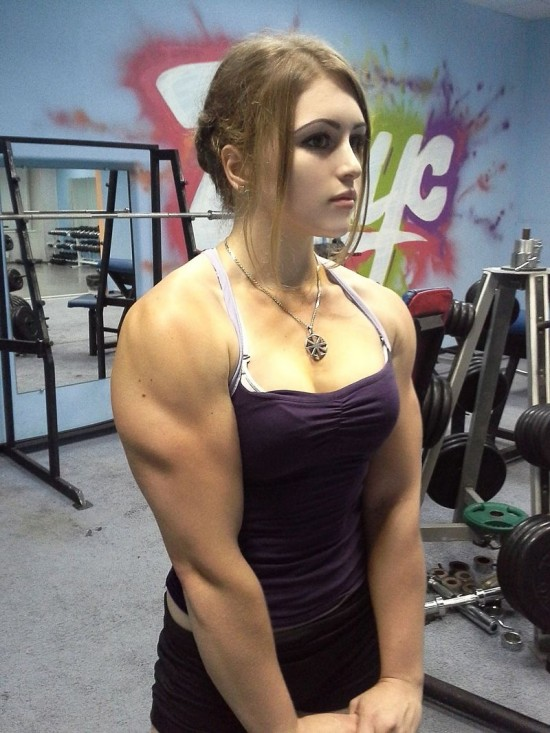 Russian Powerlifter Has the Face of a Porcelain Doll and the Body of an Amazon