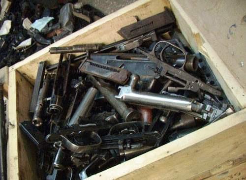 Rusia hancurkan senjata