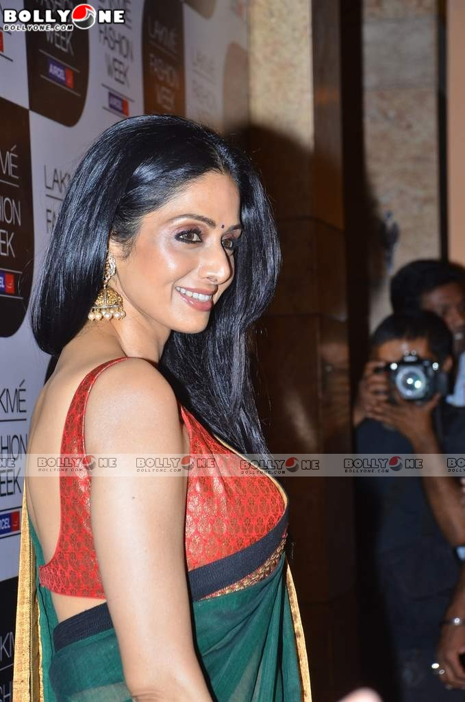 50+ Hot Sridevi At Sabyasachi's Show At Lakme Fashion Week