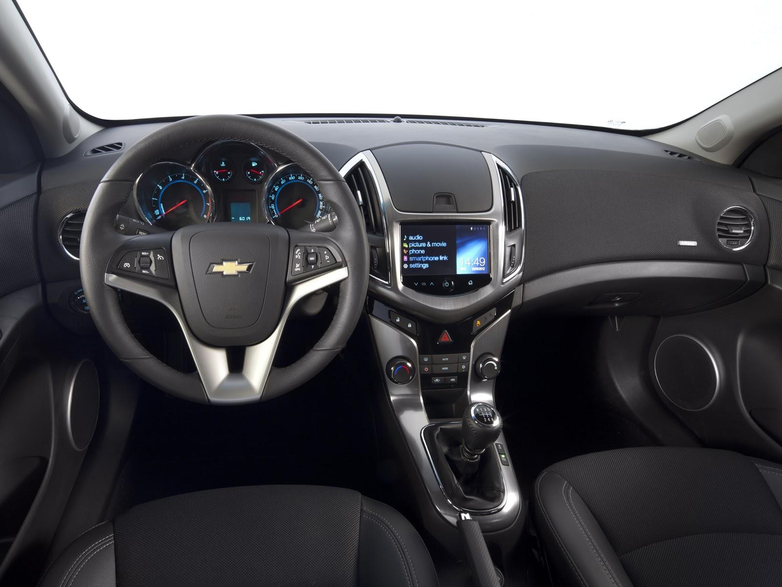car i Chevrolet Cruze 2013