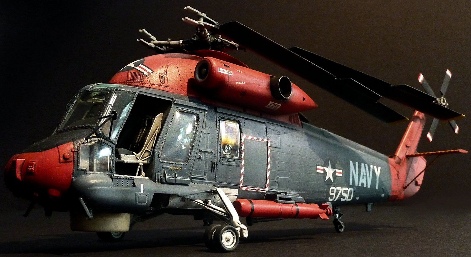 Build review: Kittyhawk Kaman SH-2F in 48th scale