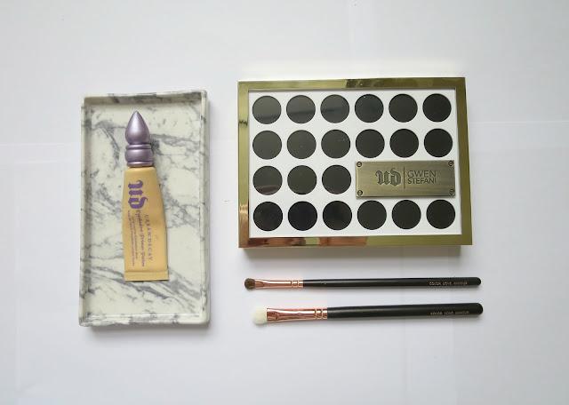 Urban Decay Gwen Stefani Eye Shadow Palette Neutral Favourite Swatch  Flat Lay Primer Zoeva Brush