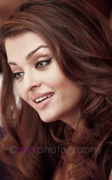 Aishwarya Rai Face Close up Pic1 - Aishwarya Rai Unseen Hot Face Close up Pics