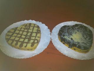 Corazones con chocolate blanco y negro