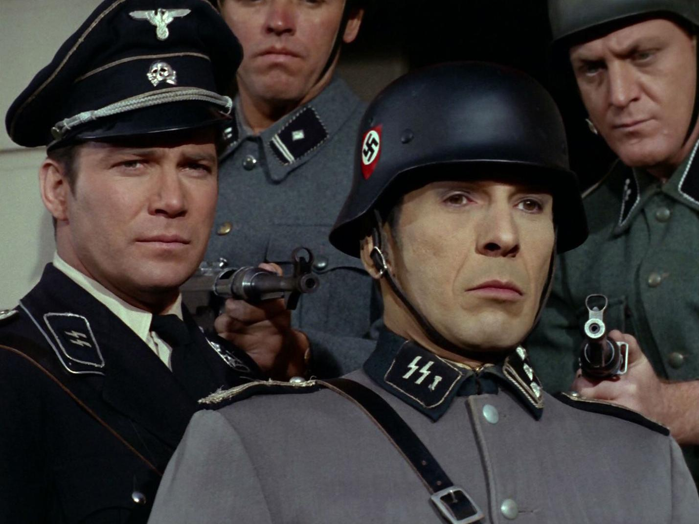 http://3.bp.blogspot.com/-zItt2cdG09w/TrQGjFL9x7I/AAAAAAAAFGk/vUQpdHUAflM/s1600/Kirk_und_Spock_in_Naziuniformen.jpg
