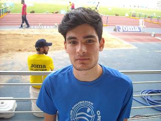 Héctor Santos Oro en Longitud y Rosa Flores Plata en Triple en el